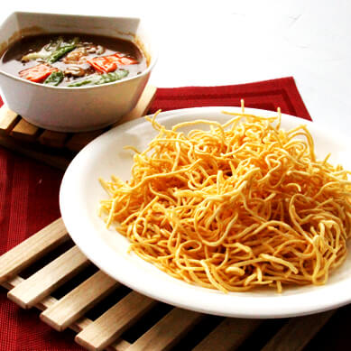 Crispy Fried Noodle w Mixed Meat
